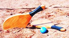 Play - Bat and Ball: Frescobol, the Perfect Beach Game for Two