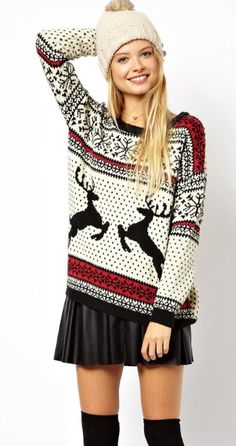 Christmas Sweater mit Lederrock