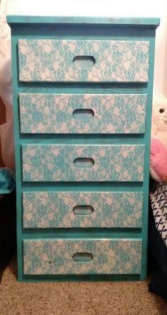 Lace dresser