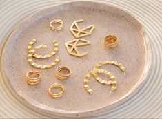#jewelry #earrings #golden #avemaria #jewelrygolden #colombia #goldplated #hoops #rings #trending Golden Jewelry, Stud Earrings, Colombia, Stud Earring, Earring Studs