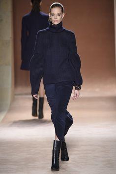 Victoria Beckham RTW Fall 2015 - Slideshow - Runway, Fashion Week, Fashion Shows, Reviews and Fashion Images - WWD.com
