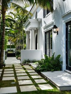 44 ideas for house luxury exterior curb appeal Exterior House Colors, Exterior Doors, Exterior Design, Door Design, Facade Design, Interior And Exterior, Verge, Building Facade, White Building