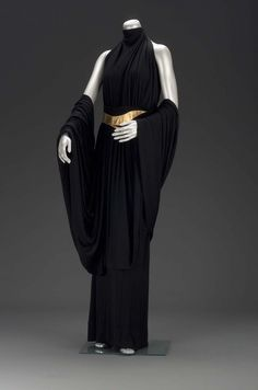 Woman's evening dress in three parts (circa designed by Russian born, American, Valentina Black silk jersey floor-length gown overdress with silk plainweave lining. Turtleneck with halter cut (bare back). Suede appliqued belt in gold gilt leather. 1930s Fashion, Fashion Mode, Vintage Fashion, Daily Fashion, Street Fashion, Korean Fashion, Boho Fashion, Fashion Tips, Vintage Dresses
