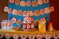 Calliou decorations