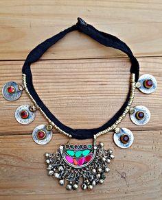 Declaración Collar - Necklace.EthnicTribal Vintage afgano moneda collar., joyas antiguas hechas a mano. Jewelry.Tribal piedra étnica gitana joyería. de ZamarutJewel en Etsy https://www.etsy.com/es/listing/453976044/declaracion-collar-necklaceethnictribal