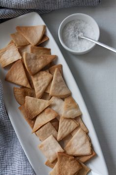 """Buttery"" baked pita crisps"