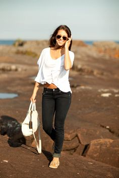 Simple top with skinnies and sperry's