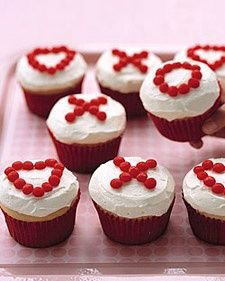 Adorable and so easy. XOXO cupcakes