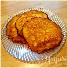 おからパウダーで作る簡単レシピ。 子どもたちが好きなカレーやシチューが作れなくなって困っていたら、夫がこのレシピを見つけてきました! パンというか、ナンというか、おから入り卵焼きというか...... 自然塩をラカントに替えると、ほんのり甘いパンケーキ風に♡小麦アレルギーのベビちゃんにも良さそうです✨ - 37件のもぐもぐ - 糖質制限中の夫用食事用おからパン☆ by yaya