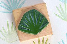 eco-friendly rubber stamp | botanical rubber stamp »palm leaf« | botanischer Stempel | Umweltfreundlicher Stempel »Palmzweig« STUDIO KARAMELO