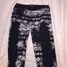 Funky cut out leggings! Nwo never worn leggings with cut outs from hip to ankle. Pants Leggings