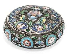 A RUSSIAN SILVER-GILT AND CLOISONNE ENAMEL PILL OR CACHOU BOXwww.Christies.com     MARK OF THE 11TH ARTEL, MOSCOW, 1908/17