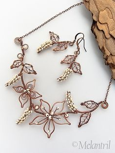 The Leaf Inspired Handmade Jewelry : stylish leaf earring Wire Jewelry Designs, Jewelry Crafts, Jewelry Art, Beaded Jewelry, Fine Jewelry, Wire Jewellery, Necklace Designs, Ring Designs, Wire Necklace