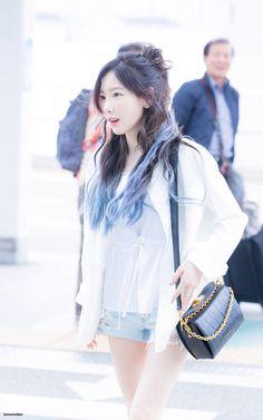170609 Kim Taeyeon <3 Sooyoung, Yoona, Snsd, Taeyeon Fashion, Kpop Fashion, Girls Generation, K Pop, Yuri, Taeyeon Jessica