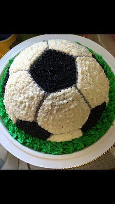 Soccer Ball Smash Cake #cakesbyjaclyn