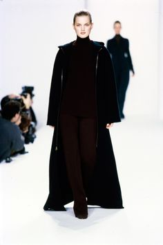 Calvin Klein Collection Fall 1996 Ready-to-Wear Fashion Show - Guinevere Van…