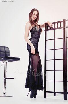 Alexandra Potter, Pony, Models, Boots, Black, Dresses, Fashion, Girls, Pony Horse