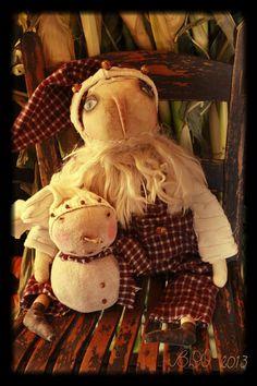 Primitive Santa & Chubbs by YankeeRidgePrimitive on Etsy, $65.00