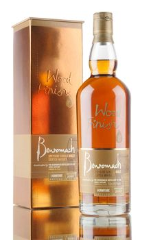 A 2007 vintage Benromach, matured in first fill bourbon casks then finished for 31 months in specially selected French wine casks from the Hermitage Appellation d'Origine Contrôlée, northern Rhône. Stunning colour, bottled in 2016 at 45%.
