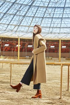 Lee Seong Kyeong for LAP Fall 2016 collection Korean Actresses, Korean Actors, Lee Sung Kyung Wallpaper, Lee Sung Kyung Fashion, Uniqlo Women Outfit, Brown Boots Outfit, Weightlifting Fairy Kim Bok Joo, Korean Fashion Winter, Photography Poses Women