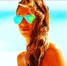 Melissa Satta  #fashion #style #looks #accessory #celebrity #sunglasses #model