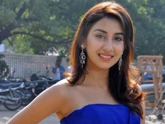 Parul Gulati  Biography, Age, Weight, Height, Friend, Like, Affairs, Favourite, Birthdate