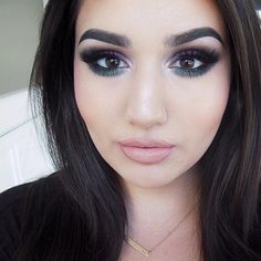 @BatalashBeauty: I am at my most comfortable with like 3cm of dark eyeshadow under my eyes and overdrawn lips. AND WHAT?! ❌ Using