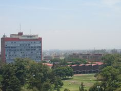 Torre de humanidades II vista desde la Torre de humanidades I (posgrado de Filosofia)