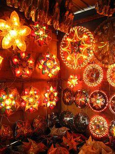 Make a Parol: A Filipino Christmas Lantern