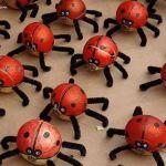 Figuras DIY con cebollas para decorar fiestas