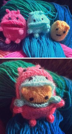"""Free Knitting Pattern for Nom Nom Monsters - These adorable monsters love to gobble whether it's small items lying around or each other. Big Nomster : 2″ (5cm) tall,Medium Nomster: 1½"""" (4cm) tall,Baby Nomster: 1¼"""" (3cm) tall. Pictured project by JuulVictoria. Excerpted fromME MAKE MONSTER! A Mish Mash of Monstercraftby Jenny Harada"""
