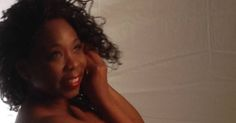 Doris Lavin (Portada del disco sencillo)            Nuevo tema promocional de Doris Lavin, nuestra cantante cubana radicada en Napoli, ...