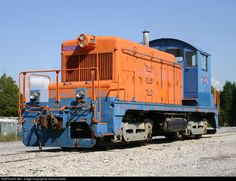RailPictures.Net Photo: KNOX 1 Carolina Piedmont EMD SW1 at Oak Ridge, Tennessee by Terence Keller