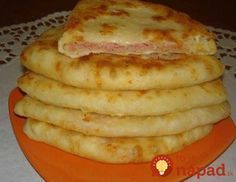 Cheese cake with kefir - a very tasty dish that is prepared at the same time is incredibly fast. Bulgarian Recipes, Russian Recipes, Turkish Recipes, Breakfast Items, Breakfast Recipes, Cheese Scones, Cheese Pancakes, Savory Pastry, Good Food
