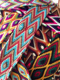 Wayuu Boho Bags with Crochet Patterns Inkle Weaving, Card Weaving, Tapestry Bag, Tapestry Crochet, Love Crochet, Crochet Gifts, Stitch Patterns, Crochet Patterns, Nativity Crafts