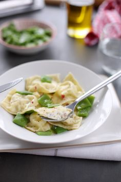 Raviolis maison aux fromages et jambon cru Fresco, One Pot Pasta, Pasta Noodles, Food Inspiration, Risotto, Food And Drink, Lunch, Dinner, Cooking