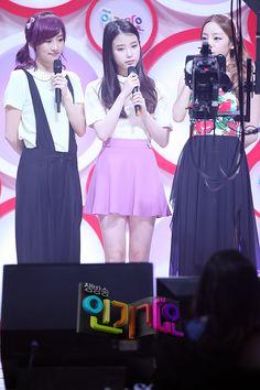 $レミのIUブログ-01-iu-120513-SBS-Inkigayo-Official-photos