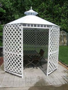 Lovely Outdoor Garden Gazebo made from PVC pipe! The link to the DIY plans are … Lovely Outdoor Garden Gazebo made from PVC pipe! Pvc Pipe Crafts, Pvc Pipe Projects, Outdoor Projects, Garden Projects, Pvc Pipe Garden Ideas, Welding Projects, House Projects, Pvc Pipe Furniture, Furniture Ideas