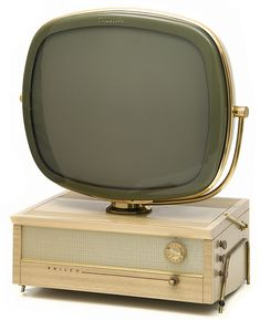 """Philco Predicta """"Holiday"""" TV I just picked up one of these in Mahogany to restore. The cabinets of the Holiday are wood and only made in """"Blond"""" and """"Mahogany"""". The woodgrain however was fake - kind of painted on from what I've read."""