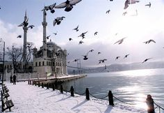 Istanbul- TR, a snowy day in Ortakoy