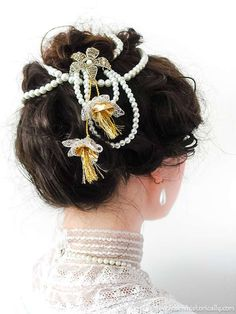 15 Christmas Gibson Girl Hairstyles & Holiday Hair Accessories Milkmaid Braid, Pompadour Hairstyle, Gibson Girl, Satin Roses, Christmas Hairstyles, Diy Hair Accessories, Historical Costume, Diy Hairstyles, Her Hair