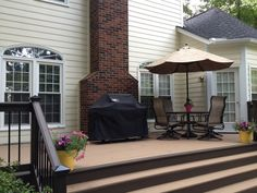 Painted in two tones; with border on deck flooring(opposite though) Outdoor Spaces, Outdoor Living, Outdoor Decor, Deck Stain Colors, Deck Flooring, Cedar Deck, Back Deck, Backyard, Patio
