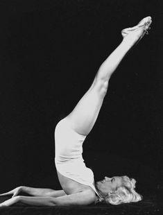 Vintage Photographs of Marilyn Monroe Doing Yoga in 1948