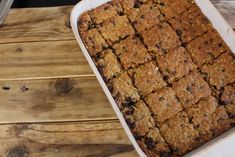 Resep-video: Stoute hawermout-blokkies South African Recipes, Pinterest Recipes, Cookie Recipes, Banana Bread, Good Food, Sweets, Make It Yourself, Baking, Desserts