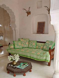indian inspired, indian decor, indian interiors, indian jewelry, indian home Style At Home, Home Living Room, Living Spaces, Indian Interiors, Indian Home Decor, Indian Decoration, Indian Homes, Living Room Inspiration, Home Decor Furniture