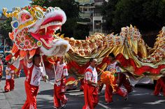 Wine tours pass through the largest Chinatown outside of China, where the Chinese New Year parade draws thousands who mingle with colorful floats, dancing dragons and popping firecrackers.