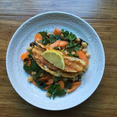 Organic Chickpea, Carrots, Parsley & Grilled Cyprus Halloumi cheese - yummy!