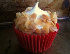 Strawberry and Marshmallow Cupcakes - Not for Coco