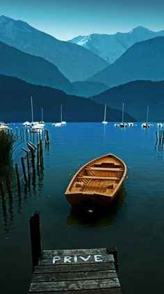 Take a day trip to Annecy | Lac d'Annecy France | One hour drive from Chamonix | Collineige.com