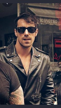 Turkish Men, Turkish Actors, Black And White Love, Actor Model, Good Looking Men, Leather Fashion, Gentleman, How To Look Better, My Man